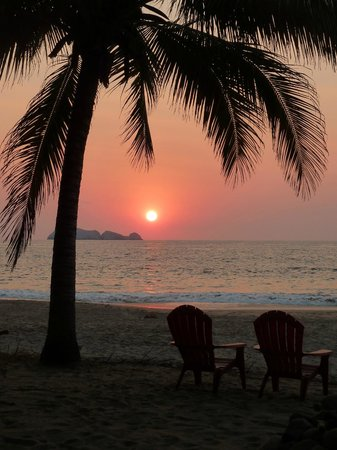 Bungalows Solecito: sunset at solecito
