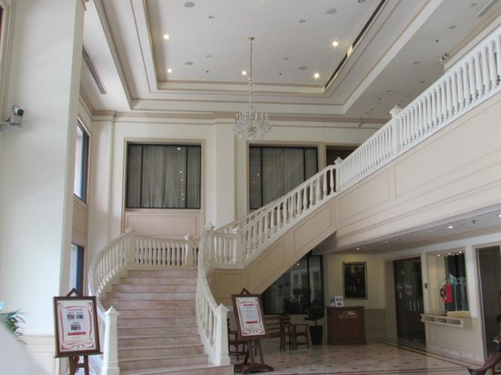 Ramada D MA Bangkok : front view inside hotel