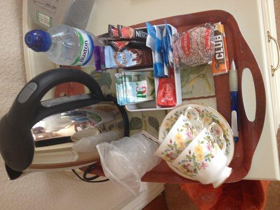 Avenue House Bed & Breakfast: Tea Tray on arrival