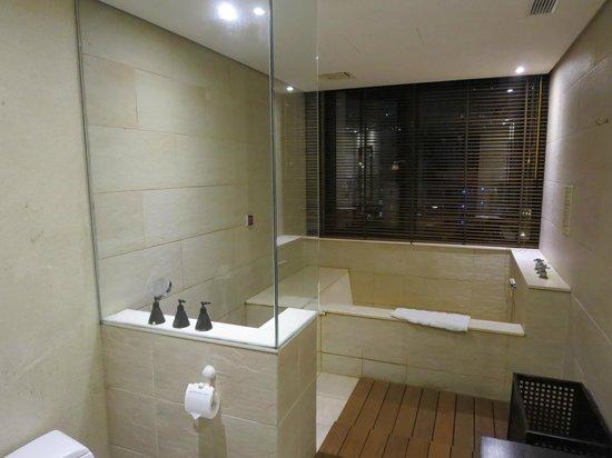 Sweetme Hotspring Resort: 豪華な部屋風呂