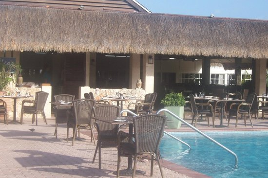 Manchebo Beach Resort & Spa: Pool area