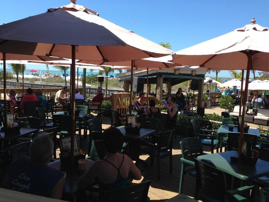 Beachcomber Beach Resort & Hotel: Jimmy B's at lunch time