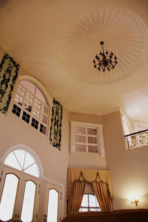 The Kahaani Malacca Hotel: High ceilings of the mansion