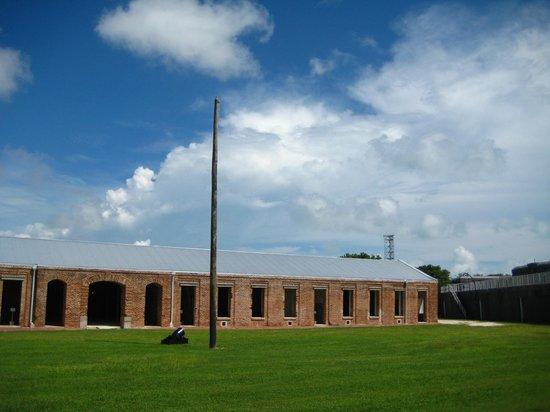 The Weatherstation Inn: Fort Zach Taylor