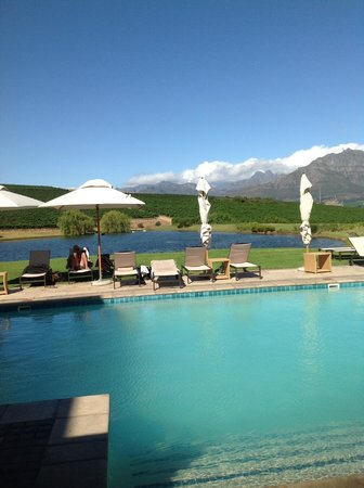 Asara Wine Estate & Hotel: Pool