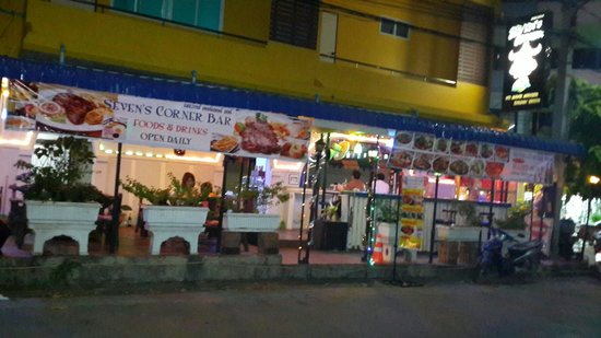 Seven's Corner Bar