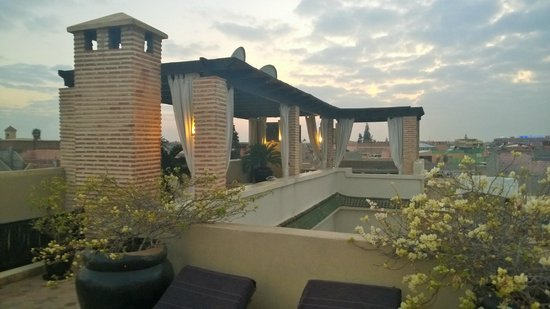 Riad Kheirredine: Top terrace at sunset