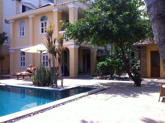 La Villa Battambang: LA VILLA AVEC SA PISCINE