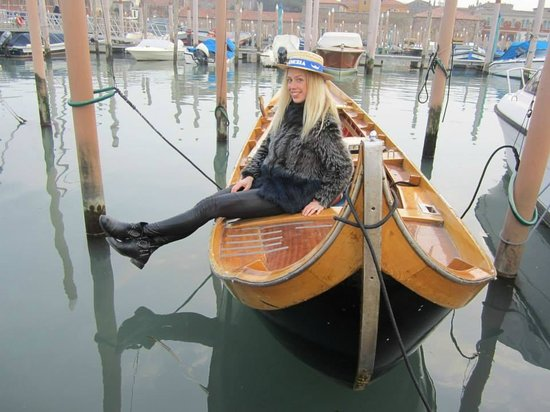 Row Venice: Certificated Gondolier!!