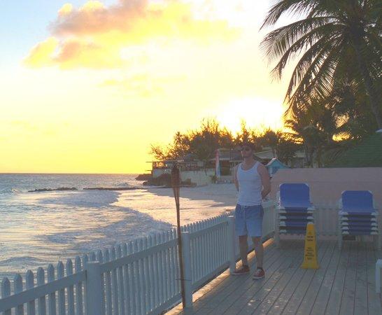 Butterfly Beach Hotel: The deck