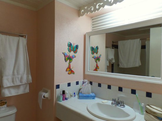 Butterfly Beach Hotel: Room 304