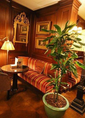 Hotel Napoleon Paris: Le Bivouac Café
