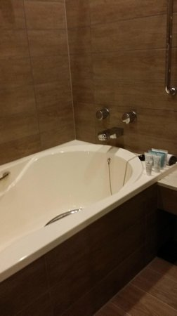 Rihga Royal Gran Okinawa: New hotel with clean bath