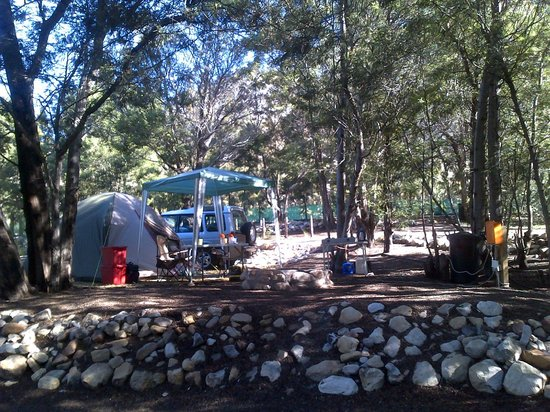 Montagu Guano Cave Resort: Camp site