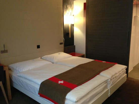 Agora Swiss Night: Chambre 404