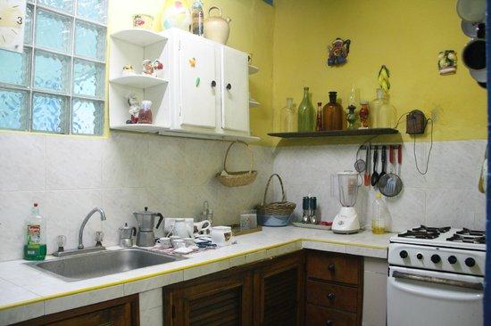 Casa La Cochera: Kitchen