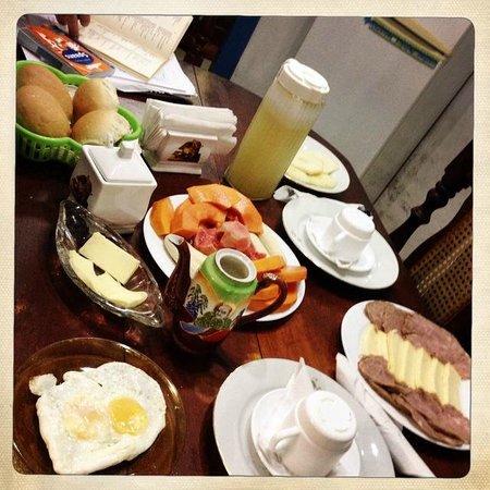 Casa La Cochera: Breakfast!