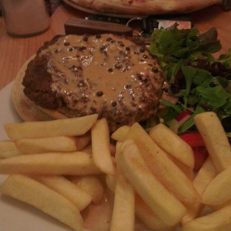 Birnam, UK: Peppercorn Burger