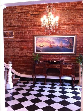 Lafitte Guest House: Foyer