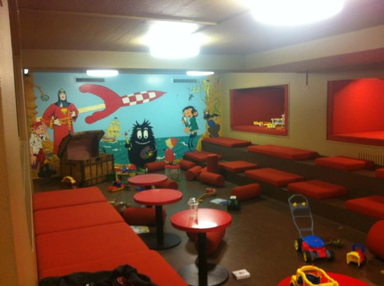 The Laundromat Cafe: The playroom - obviously after a hard days play!