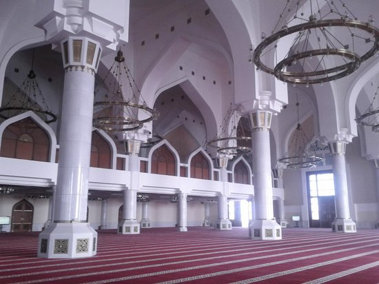 State Grand Mosque: State Mosque Interior
