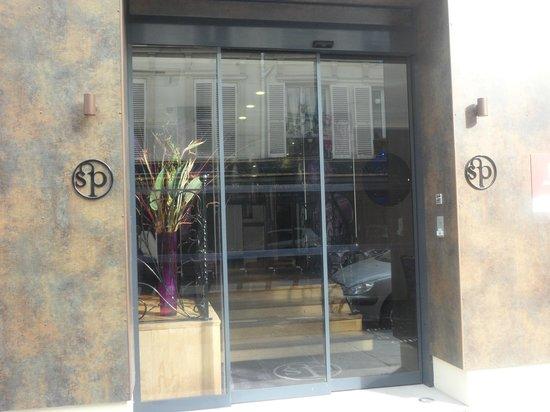 Hôtel Design Secret de Paris : Hotel entrance