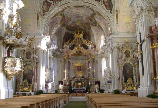 Basilica Wilten: Внутри базилики