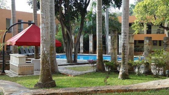 Hotel Hacienda Uxmal Plantation & Museum : piscine