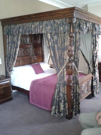 King's Arms Hotel: The Wonderful Bed