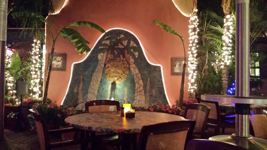 Blue Coyote Grill: Beautiful Fireplace