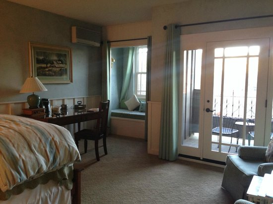 Wine Country Inn & Cottages: Room 7