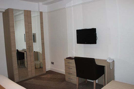 Endsleigh Court: standard double studio