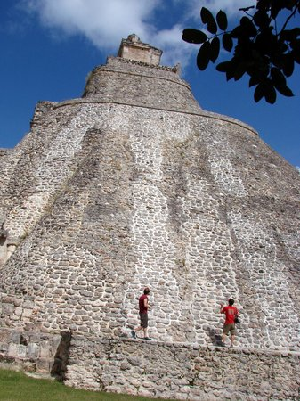 Hotel Hacienda Uxmal Plantation & Museum: Pyramid of the Magician Uxmal