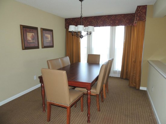 Greensprings Vacation Resort: Dining room