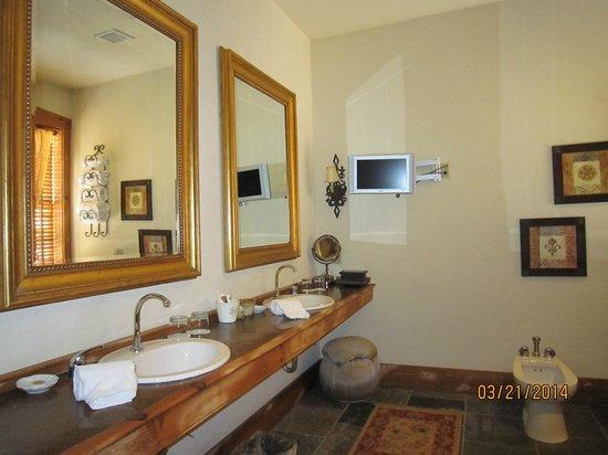 The Inn at Leola Village: Bathroom