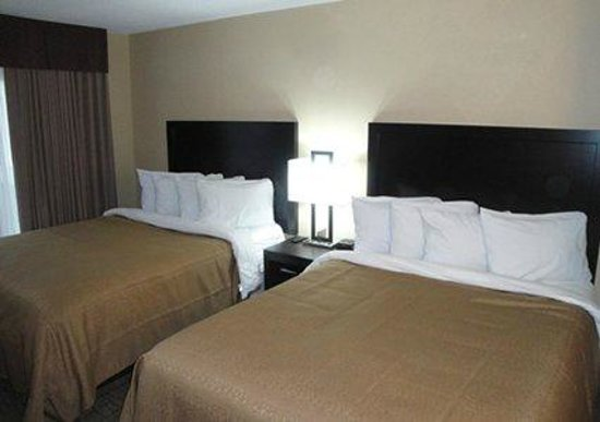 Quality Inn: Renovated Rooms