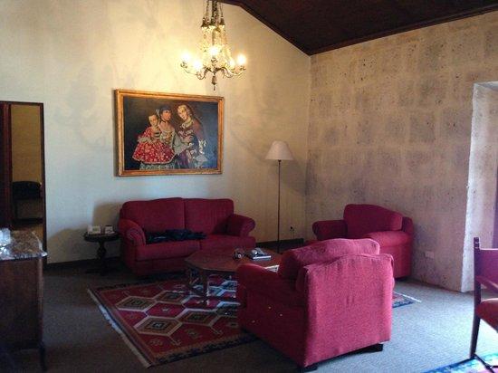 Casa Andina Premium Arequipa : Living area in room