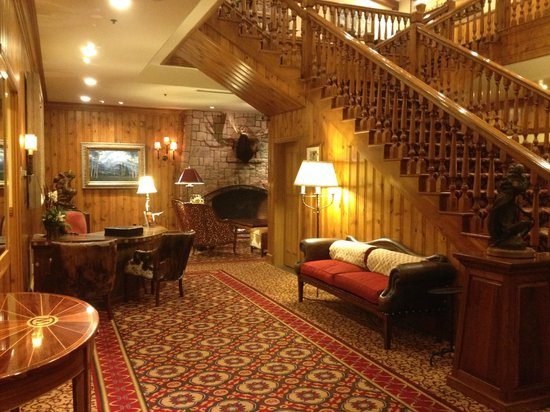 The Wort Hotel: Concierge Area and Stair Case