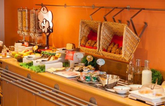 Ibis Poitiers Centre: Buffet Petit-Déjeuner