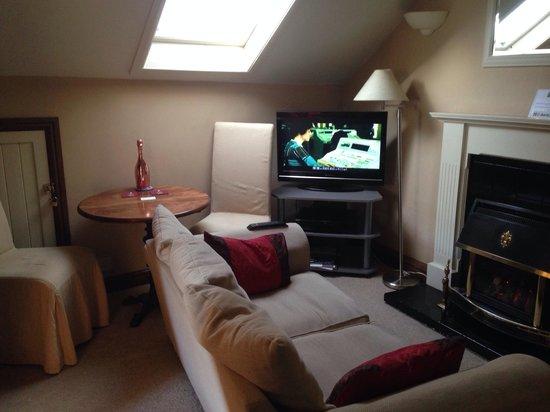 The Bramblewick: Cosy lounge area of room 4