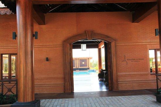 Bagan Lodge: Hoteleingang