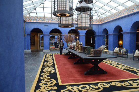 Palacio del Inka, A Luxury Collection Hotel, Cusco: Espaço interno característico das construções da época