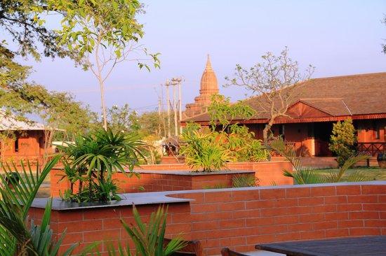 Bagan Lodge : Hotelgelände