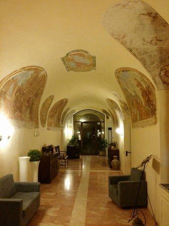 Convento di Santa Croce: La Hall
