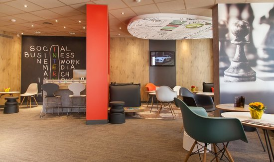 Ibis Poitiers Centre: Salons