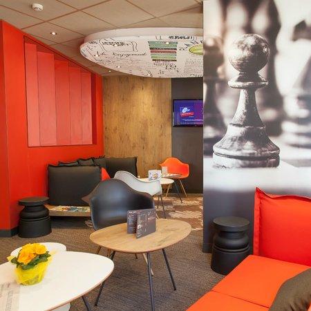 Ibis Poitiers Centre: Espace Lounge