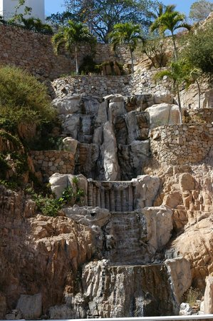 Sandos Finisterra Los Cabos: Waterfalls on the grounds