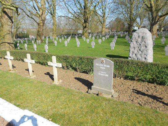 Deutscher Soldatenfriedhof Lens-Sallaumines