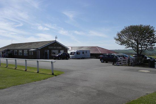 Crows Nest Caravan Park: veiw from our static nice and close to shop, bar, etc