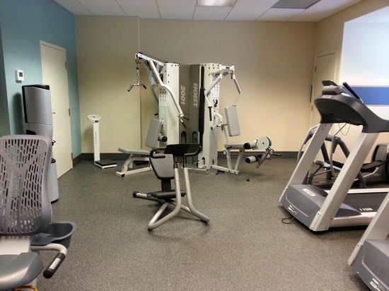 Hampton Inn & Suites by Hilton - Miami Airport / Blue Lagoon: gimnasio